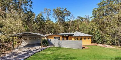 MODERN HOME IN PRIVATE BUSHLAND RETREAT WITH SHED & POOL