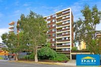 Bright 2 Bedroom Unit In The Heart Of Parramatta CBD. Popular Location Directly Behind Westfields. Car Space
