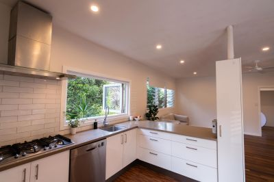 Newly renovated sunny 3 bedroom private split dwelling