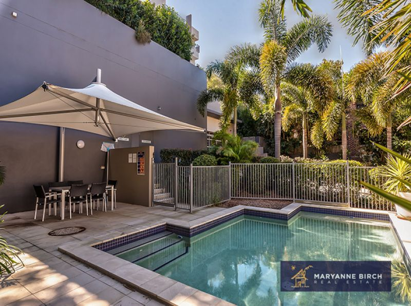 EXECUTIVE LIVING AT ITS BEST - IN GROUND POOL