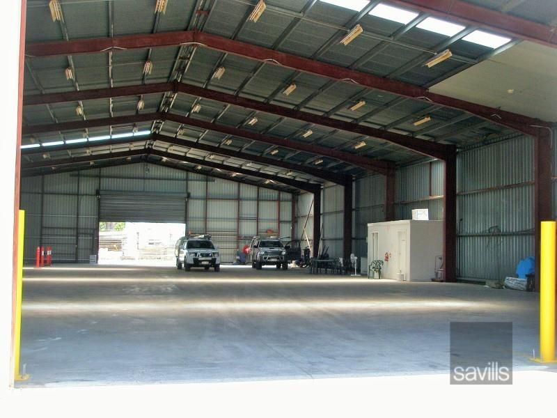 Office /Warehouse With Great Frontage.