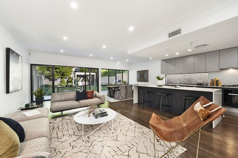 A Luxurious New Designer Family Home By The Bay