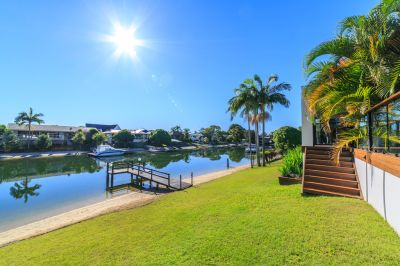 Great Waterfront House Perfect For Entertaining