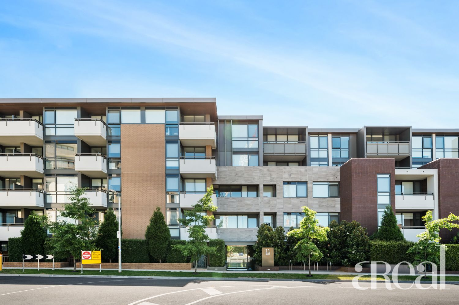 24/11 Bond St, Caulfield North VIC 3161