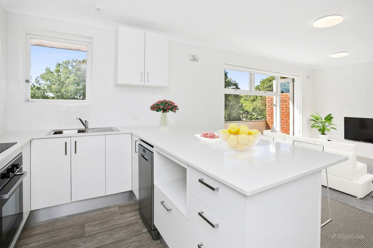 14/2 Campbell Parade Manly Vale 2093