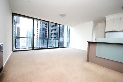 The Sentinel: 25th Floor - Fabulous One Bedroom Apartment in Trendy Southbank!
