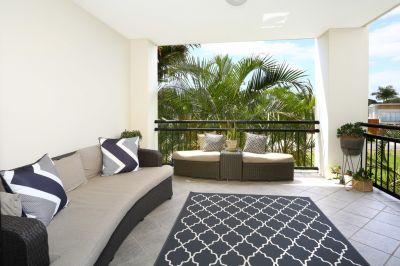 Resort Lifestyle, Beautiful Easy Care Apartment!  Vendor Meets Market!