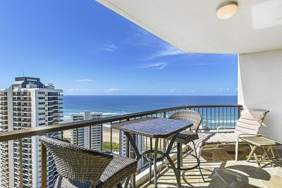 SPECTACULAR OCEAN VIEWS! STUNNING APARTMENT!