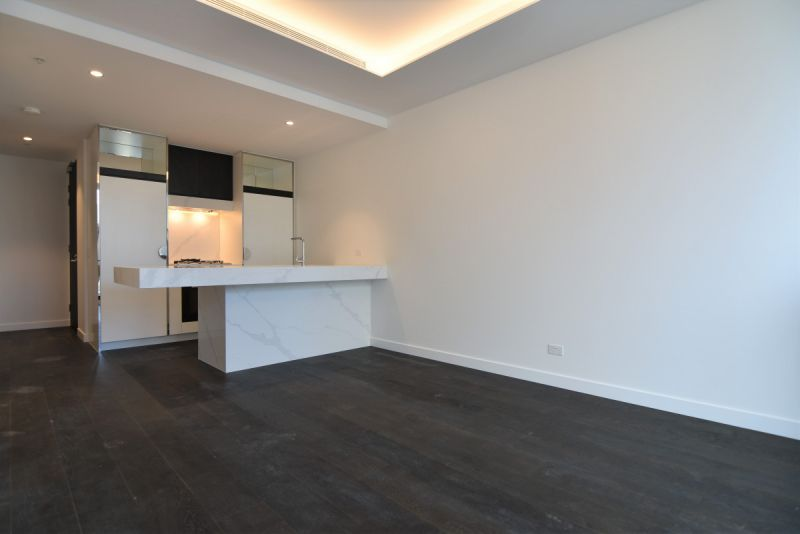 One Bedroom with Carpark and Study on Eastern Road!