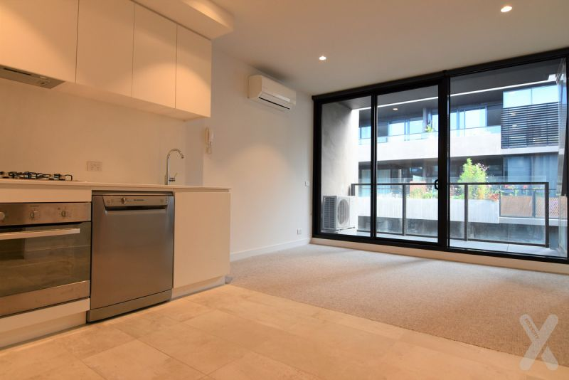 PRIVATE INSPECTION AVAILABLE - In the Heart of Collingwood! 1 Bedroom + Study