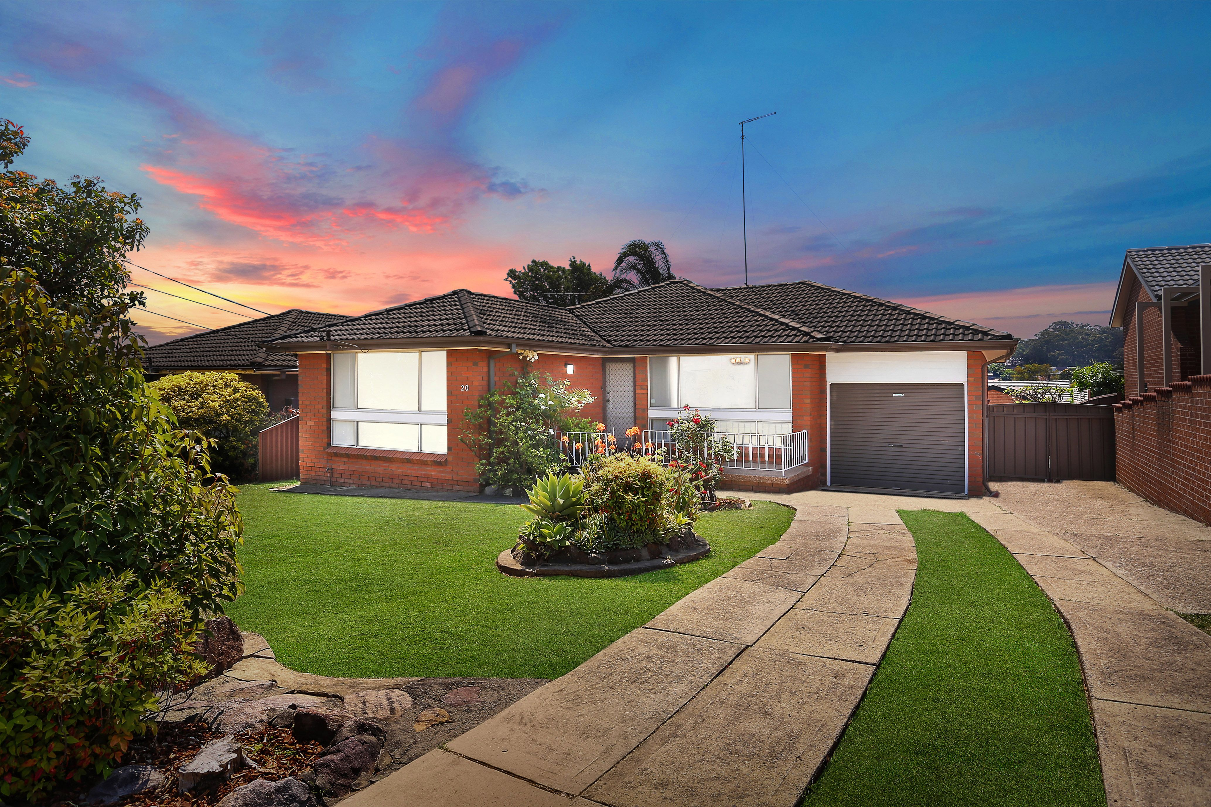 20 Oak Drive, Georges Hall NSW 2198