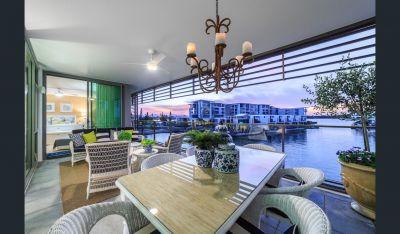 Hamptons Luxury at Ephraim Island