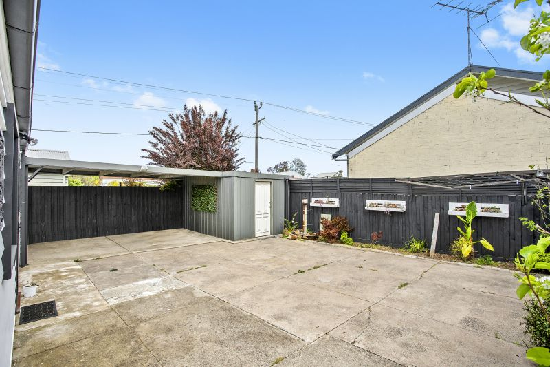 62 Ormond Road East Geelong