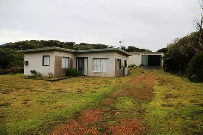 Holiday Home Furnished in Popular  Location at the Arthur River.