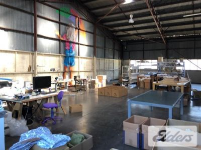 AFFORDABLE WAREHOUSE ON NEWMARKET ROAD!