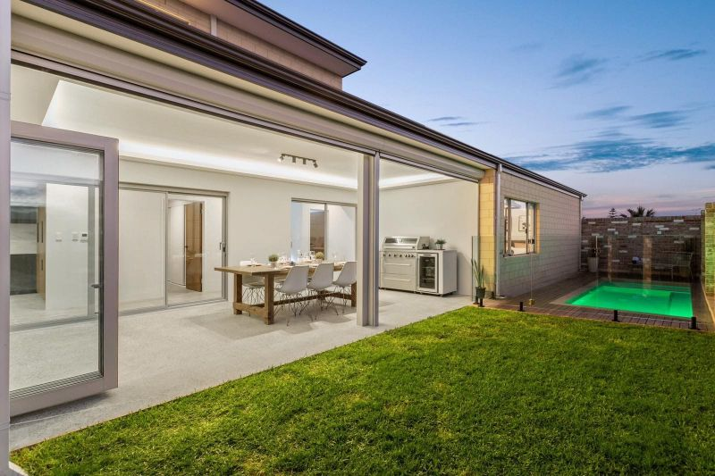For Sale By Owner: 15 Penzance Terrace, Mindarie, WA 6030