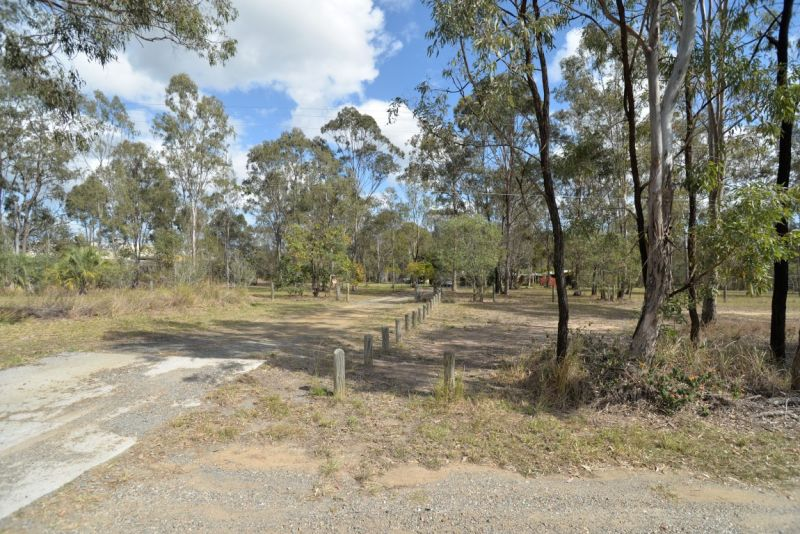 Large Site Located Within The Greater Flagstone Priority Development Area
