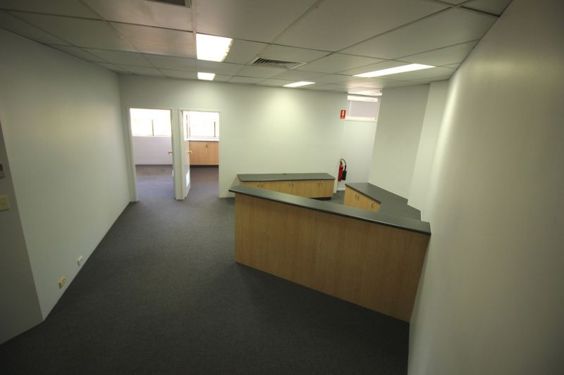 Office For Lease 100 m2 Refurbished