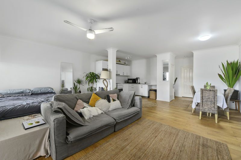 Single level 1 bedroom apartment