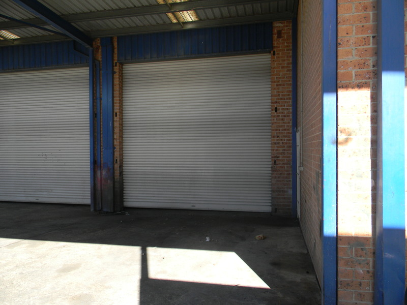 Freestanding Warehouse For Lease!