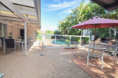 Secluded entertainer with dual access