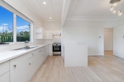 Renovated House in a Convenient Location with CBD Skyline - Access via rear lane from Thornleigh Street