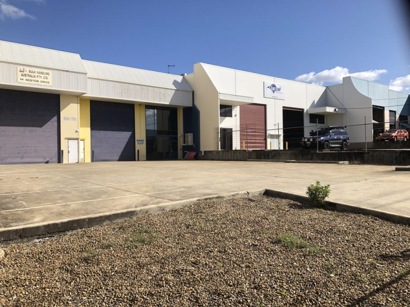 565m2* Warehouse / Workshop With Lots Of 3 Phase Power
