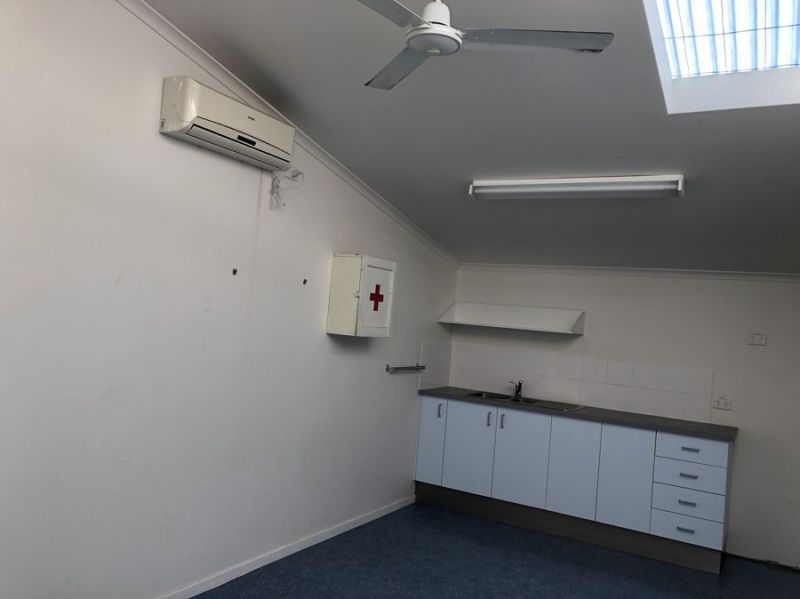 Air conditioned office space in popular industrial estate