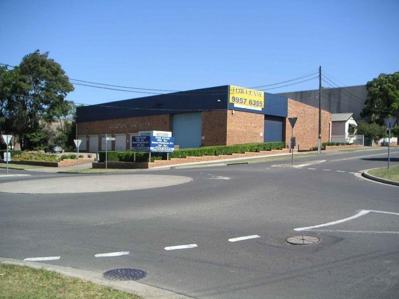 Freestanding Facility Located on Corner Position
