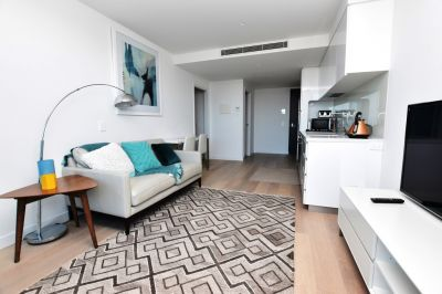 Macro: Furnished Apartment in A Fantastic Southbank Location!