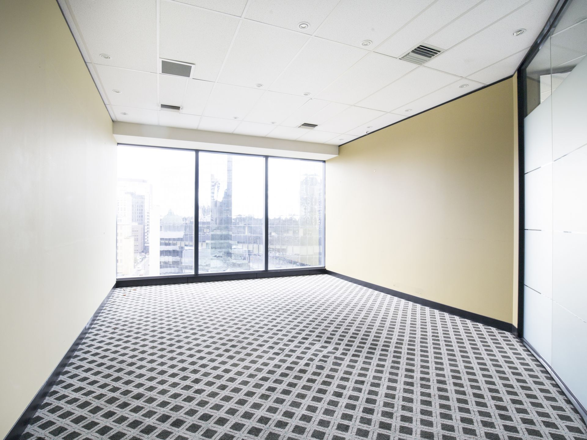 Exceptional leasing opportunity for 20-30 people at St Kilda Rd Towers