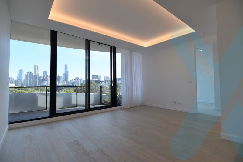 Luxury Two Bedroom Apartment with Spectacular Views!