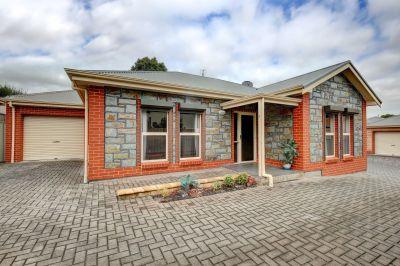 Sure to Impress - Freestanding Bluestone Villa