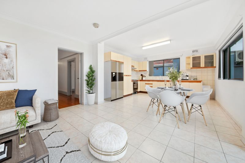 Spacious 3 Bedroom Family Home With Far-Reaching Views