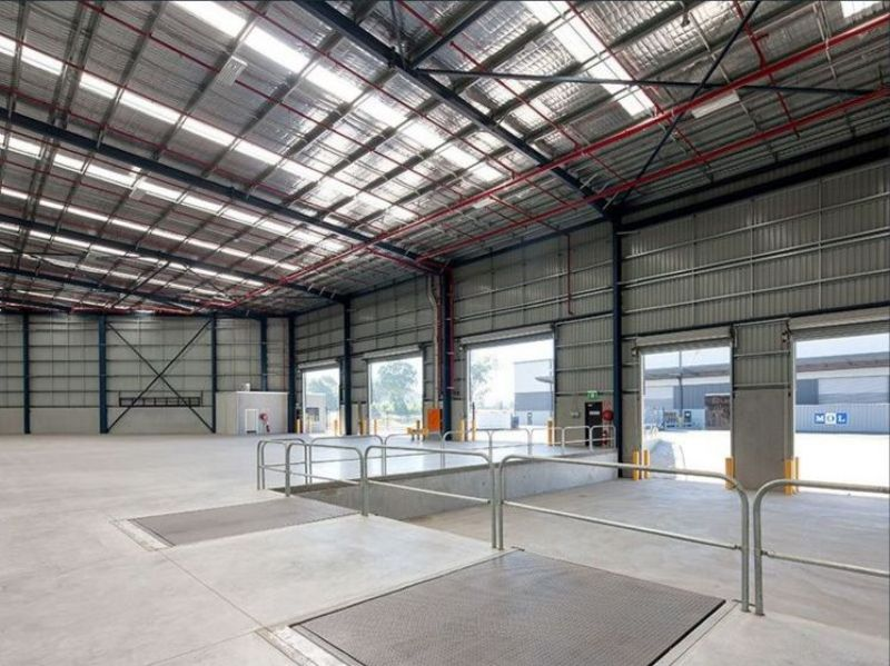 Quality warehouse+office 2,518 sqm