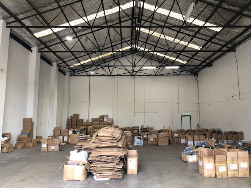 Tall and Clear Span Office /  Warehouse in the Heart of Springvale