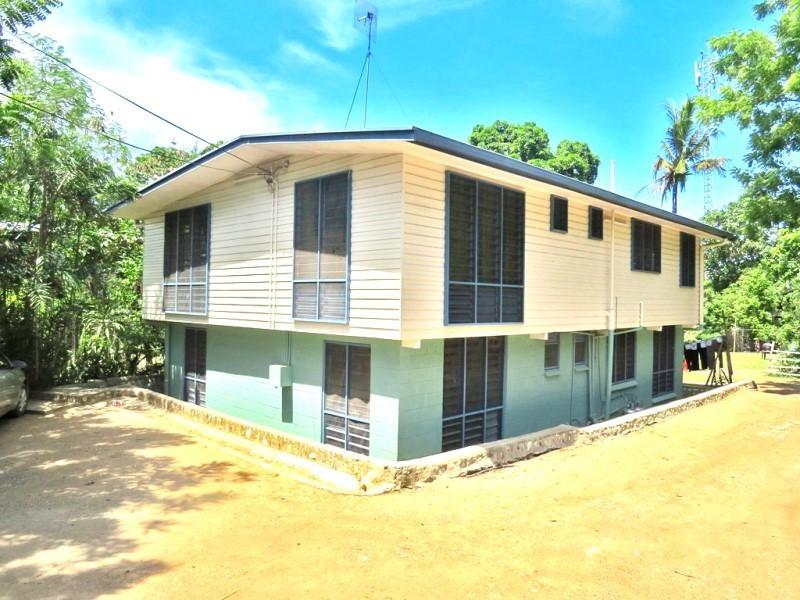 S6862 - Duplex with huge yard - ES
