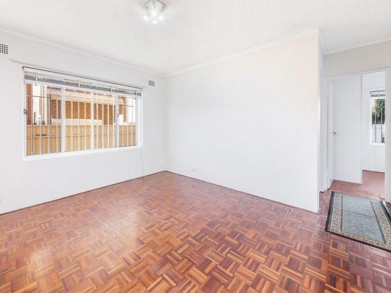 Popular 2 Bedroom Unit - We have Sydney Cover !