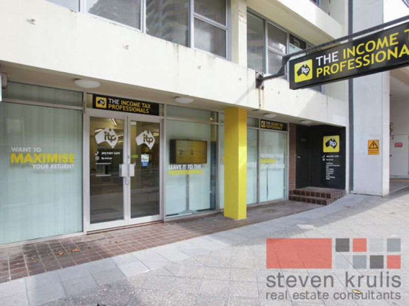 PROMINENT RETAIL/SHOWROOM OPPOSITE EASTGATE SHOPPING CENTRE - VACANT POSSESSION