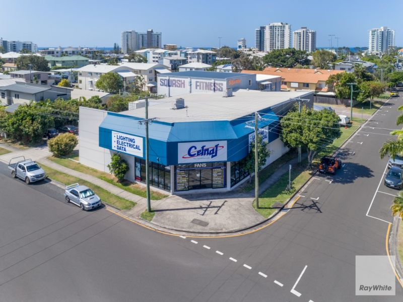 Stand Alone Building in High Profile Location | For Lease