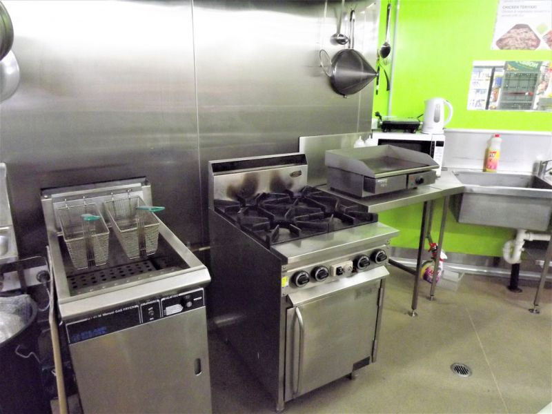 SMALL SUBLEASE COMMERCIAL KITCHEN IN KINGSTON