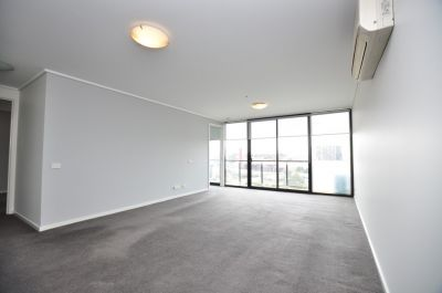 Victoria Tower: Stunning Two Bed Apartment in the Heart of Southbank!