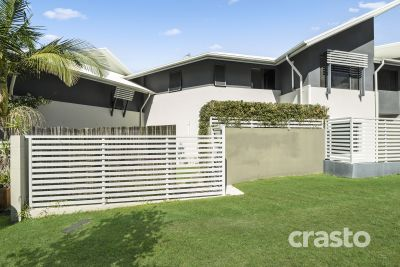 Pet-Friendly Townhouse with Large yard in Boutique block of 5  - Varsity College Catchment