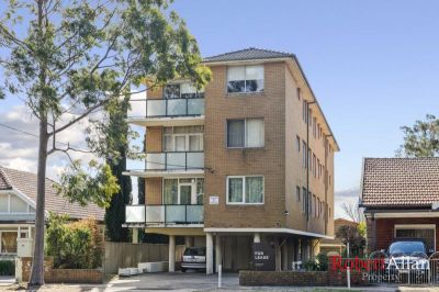 Situated Well Back from Main Road-No Traffic Noise -One Bedroom-Aircon