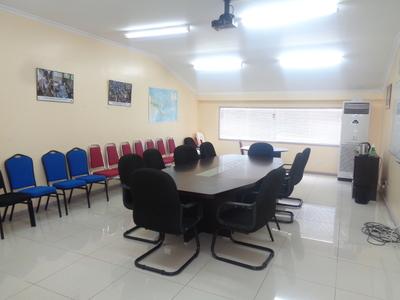 JVB2 327m2 Office Space in Gordons