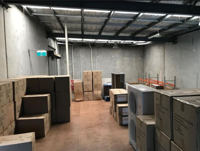 Modern Industrial/Retail Opportunity In Busy Baylink Estate