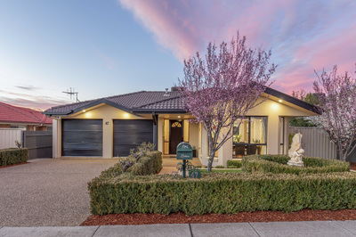 Elegant Family Home in highly desirable location