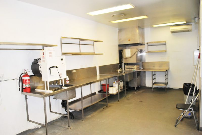COMMERCIAL KITCHEN READY TO OCCUPY