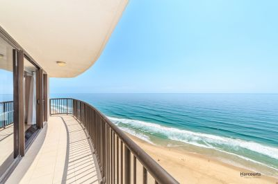 Desirable Absolute Beachfront 2 bedroom