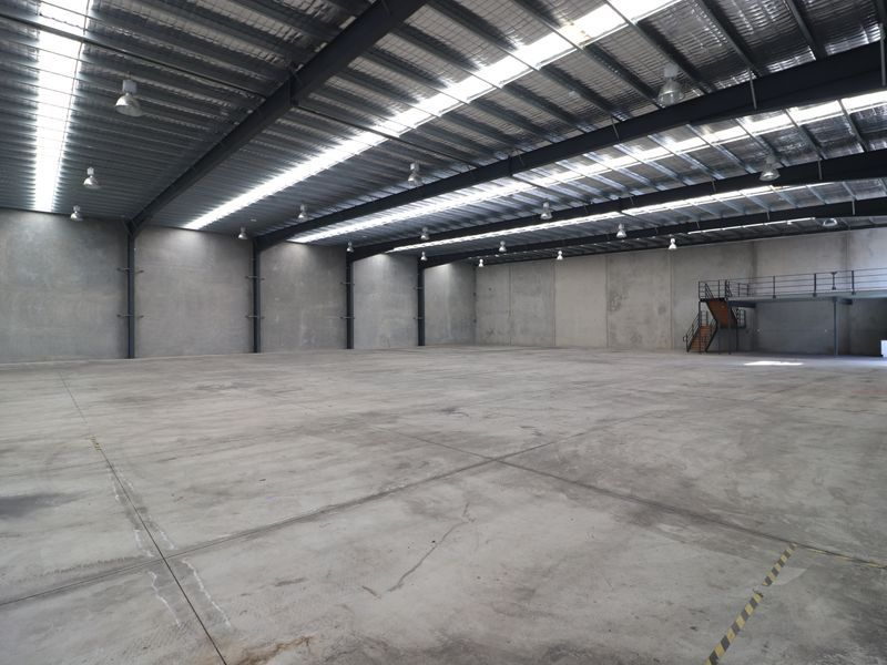 1,800sqm Warehouse Or Can Be Split